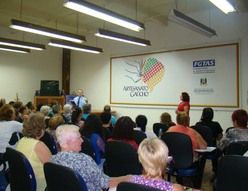 Aparador Pelos Masculino ~ Semana do Artes u00e3o reuniu mais de 300 pessoas Fundaç u00e3o Gaúcha do Trabalho e Aç u00e3o Social